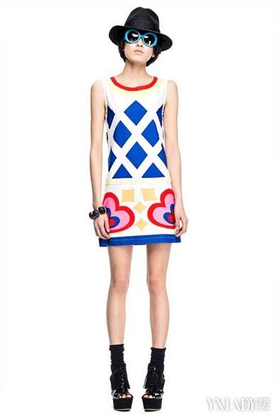【图】名模们告诉你修身显瘦女装搭配恰到好处的修身衣回头率超高