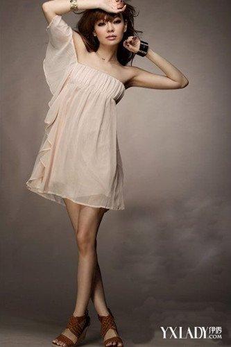 【图】礼服连衣裙夏如何搭配教你几招性感显瘦的搭衣技巧