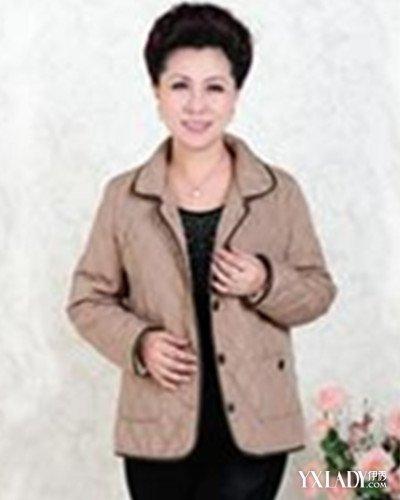 [图】中年女大衣款式图教你几个妙招挑选