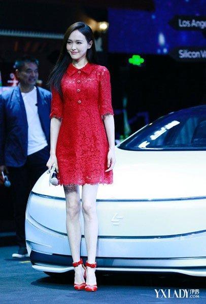 红裙子如何搭配