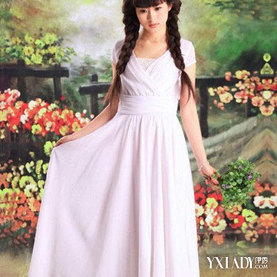 【图】v领连衣裙修身让你有明星范的气质