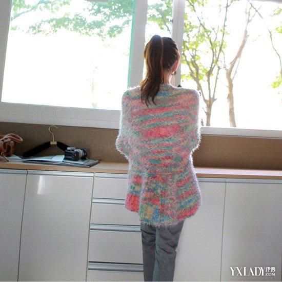 【图】彩虹毛衣搭配教你搭出冬日时尚