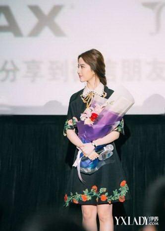 刘亦菲甜笑引尖叫